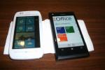 Nokia Lumia 710 (left) and Nokia Lumia 800 (right)